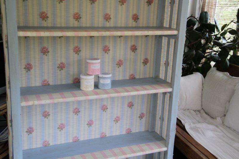 Tutorial cómo reciclar una estantería con pintura Chalky DecoArt
