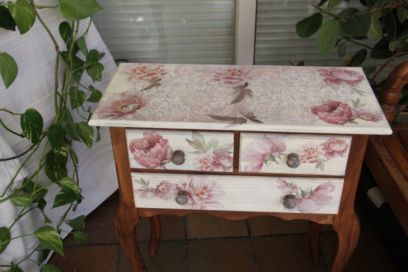 Tutorial Reciclar un mueble con pintura Chalky Americana y decoupage