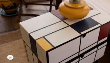 Mesa al estilo Mondrian con Decoart