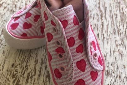 Cómo pintar zapatillas de tela paso a paso ¡personaliza tus Converse!