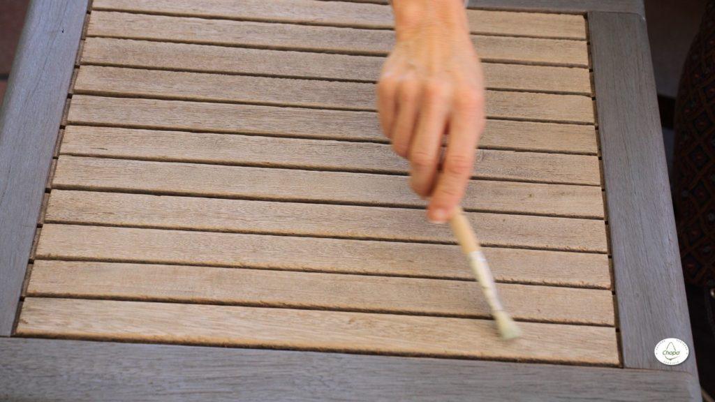 Técnicas para reciclar una mesa con pintura Stain de DecoArt y plantila1