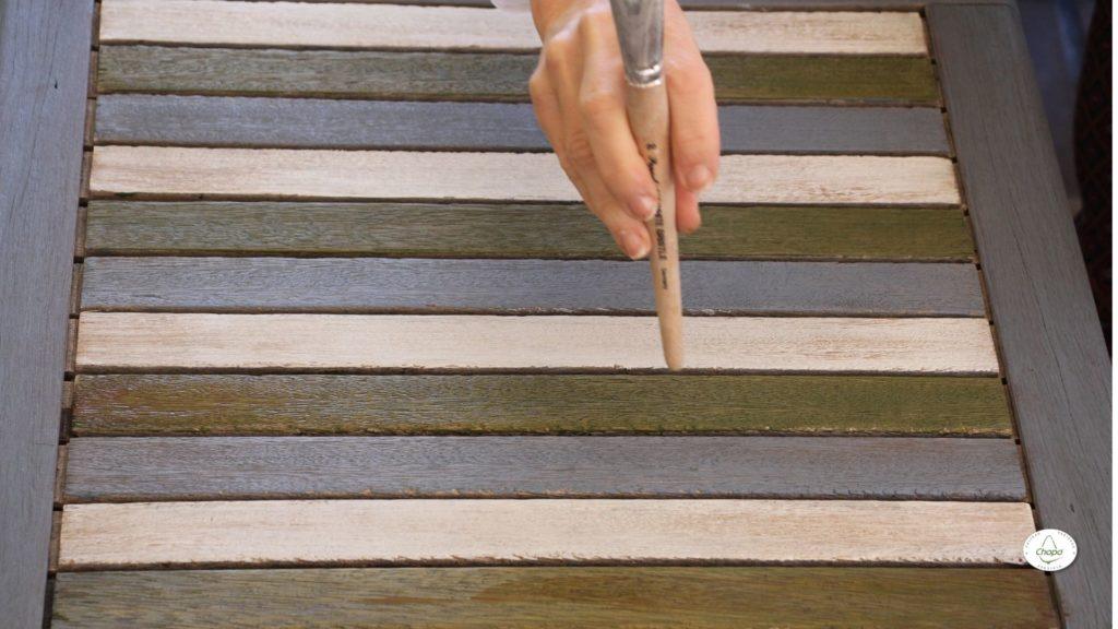 Técnicas para reciclar una mesa con pintura Stain de DecoArt y plantila2