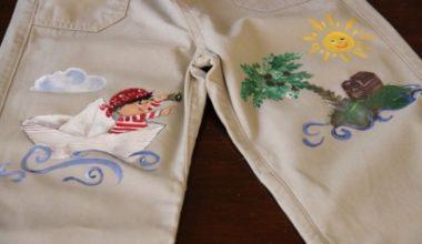 Tutorial para reciclar un pantalón lleno de manchas con pintura SoSoft DecoArt